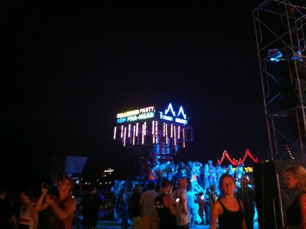 Full Moon Party, Ambiance sur la plage