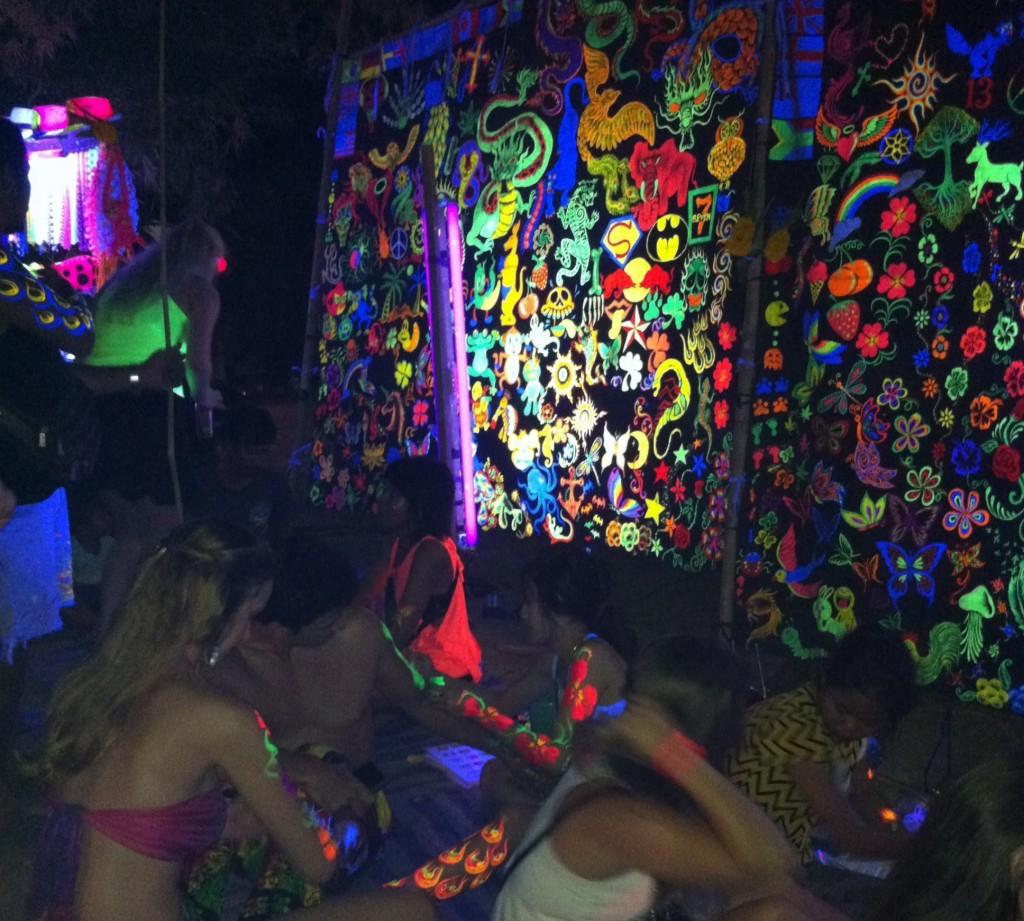 Full Moon Party, Tattoos fluorescents